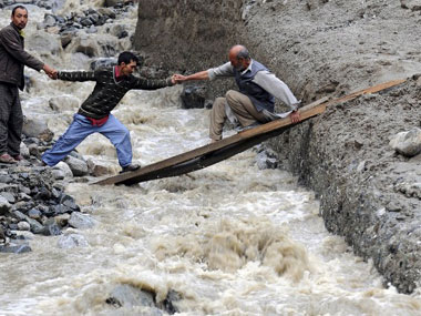 Via LBBD: DONATE TOWARDS THE J&K FLOOD VICTIMS | WHERE AND HOW